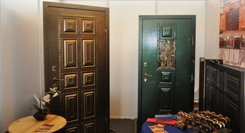 Металеві фільончасті двері
