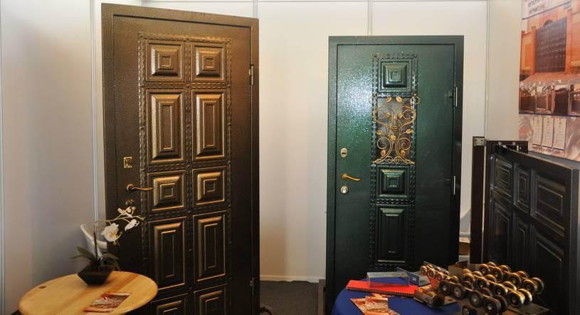 Металлические филенчатые двери